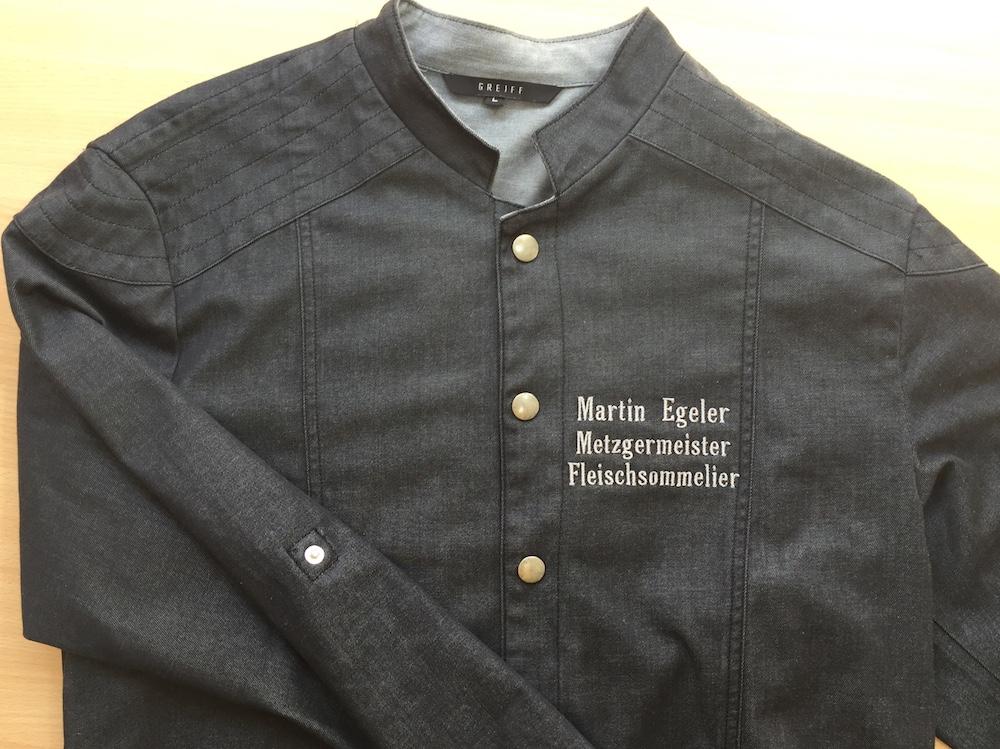 bestickte Arbeitskleidung